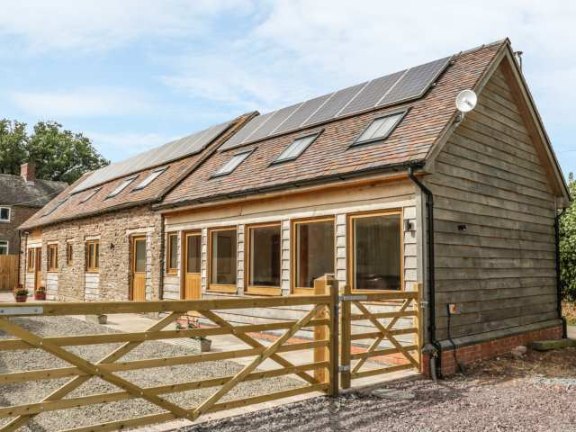 The Cow Byre, Heath Farm photo 1