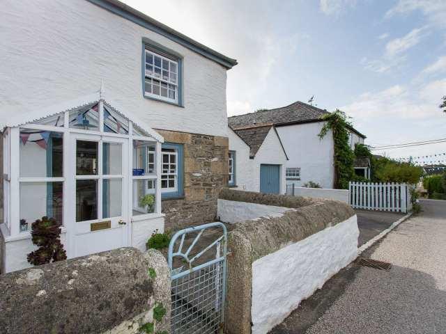 2 Trerise Cottage photo 1