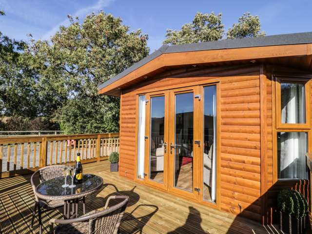 Beech Tree Lodge - 995942 - photo 1