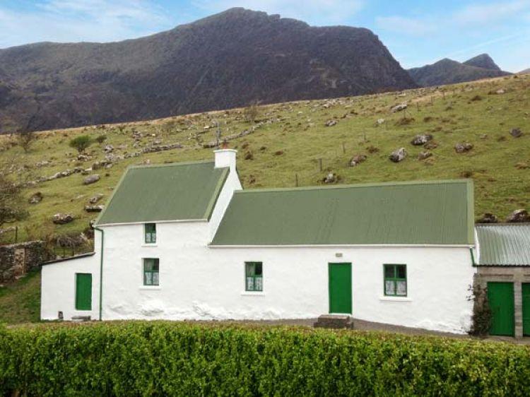 Awe Inspiring Dingle Peninsula Cottage Cloghane County Kerry Boherboy Download Free Architecture Designs Xaembritishbridgeorg
