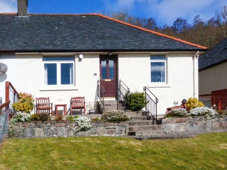Strange 10 Crown Cottages Corpach Benavie Self Catering Home Interior And Landscaping Ymoonbapapsignezvosmurscom